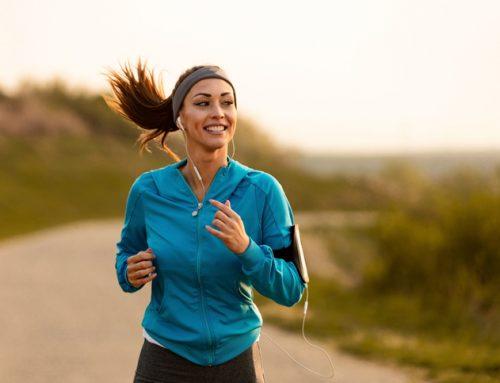 A zenehallgatás előnyei futás közben.